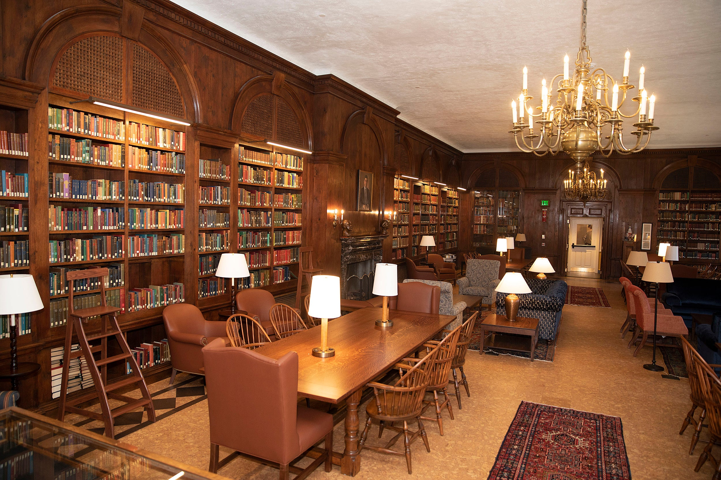 Lowell House's library