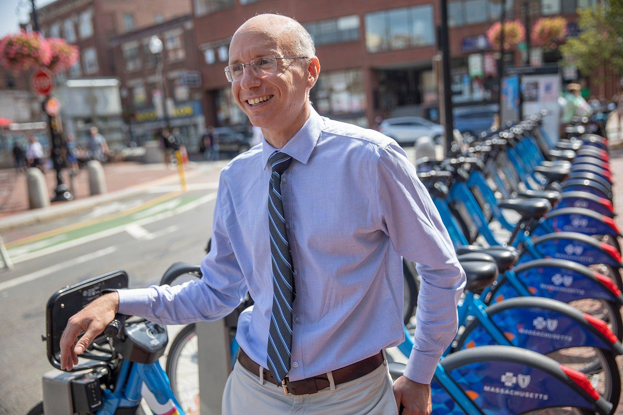 Aaron Bernstein by bikes