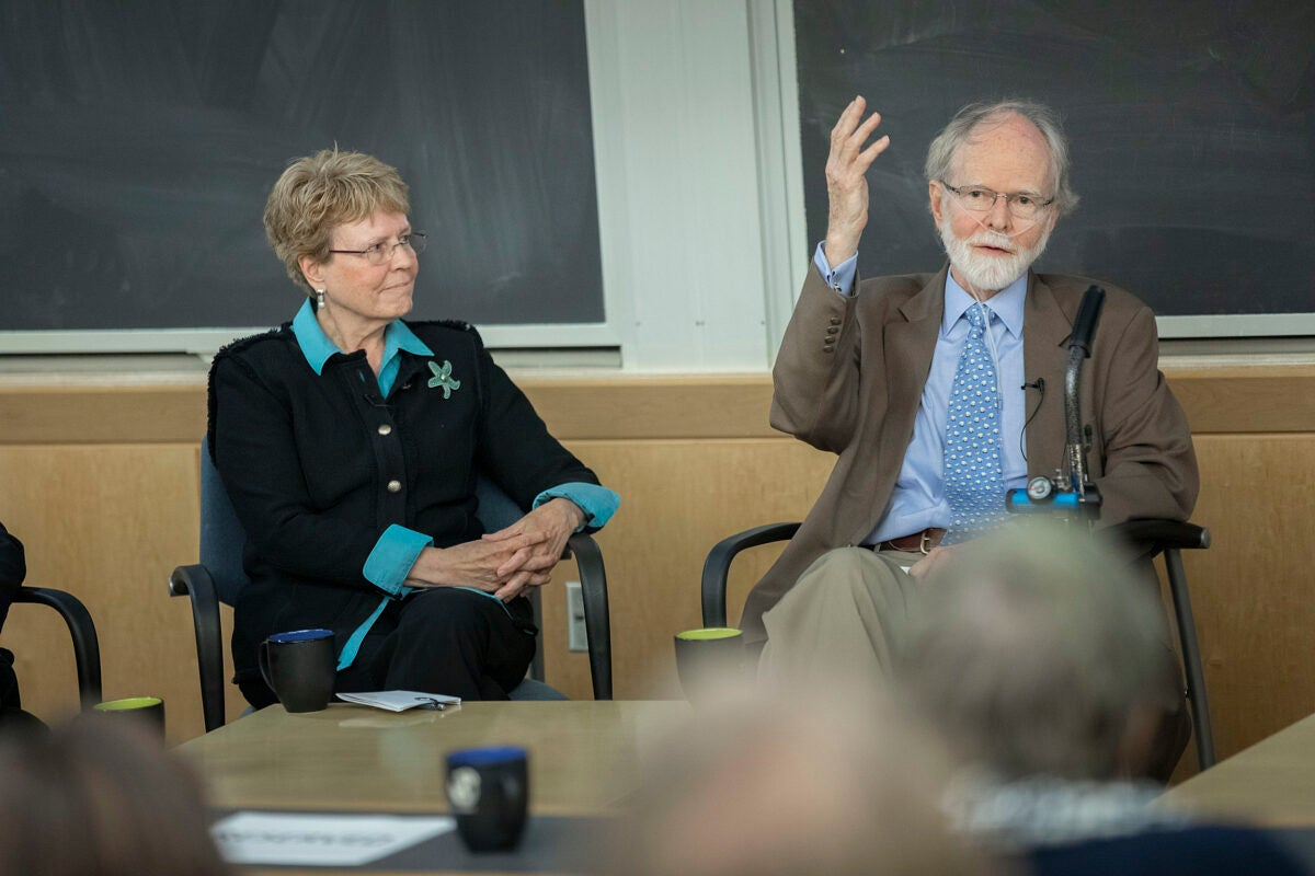 Jane Lubchenco (left) and Jim McCarthy discuss impact of climate change on Earth's oceans.