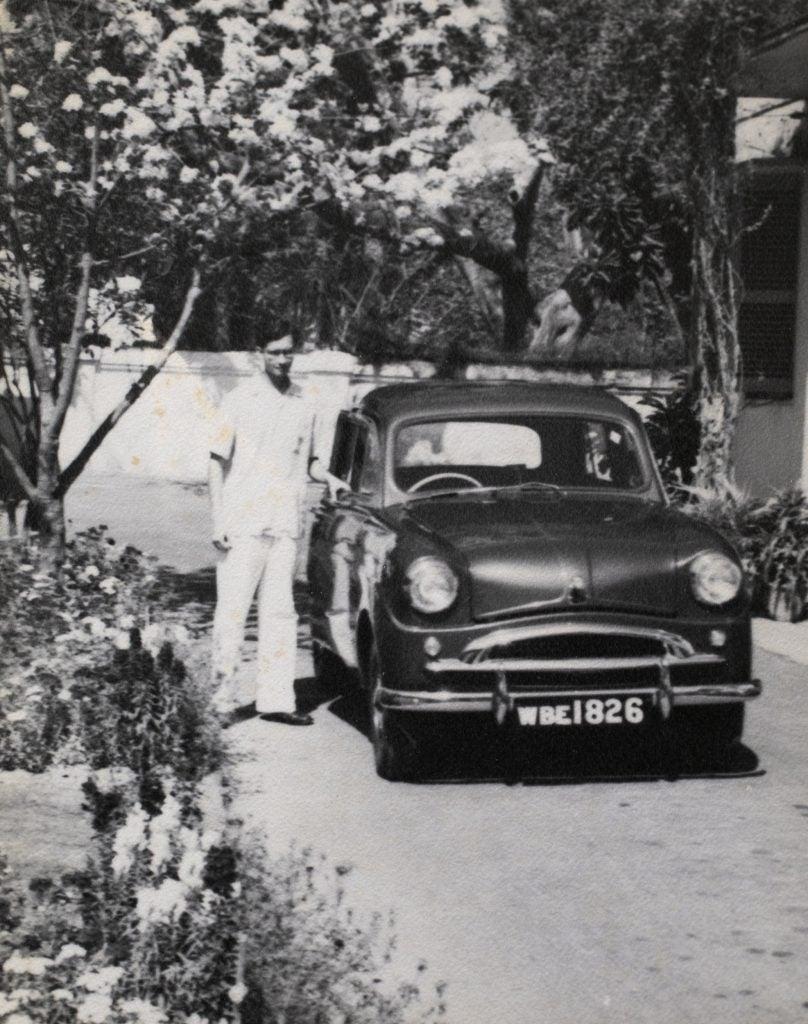 Amartya Sen with a car.