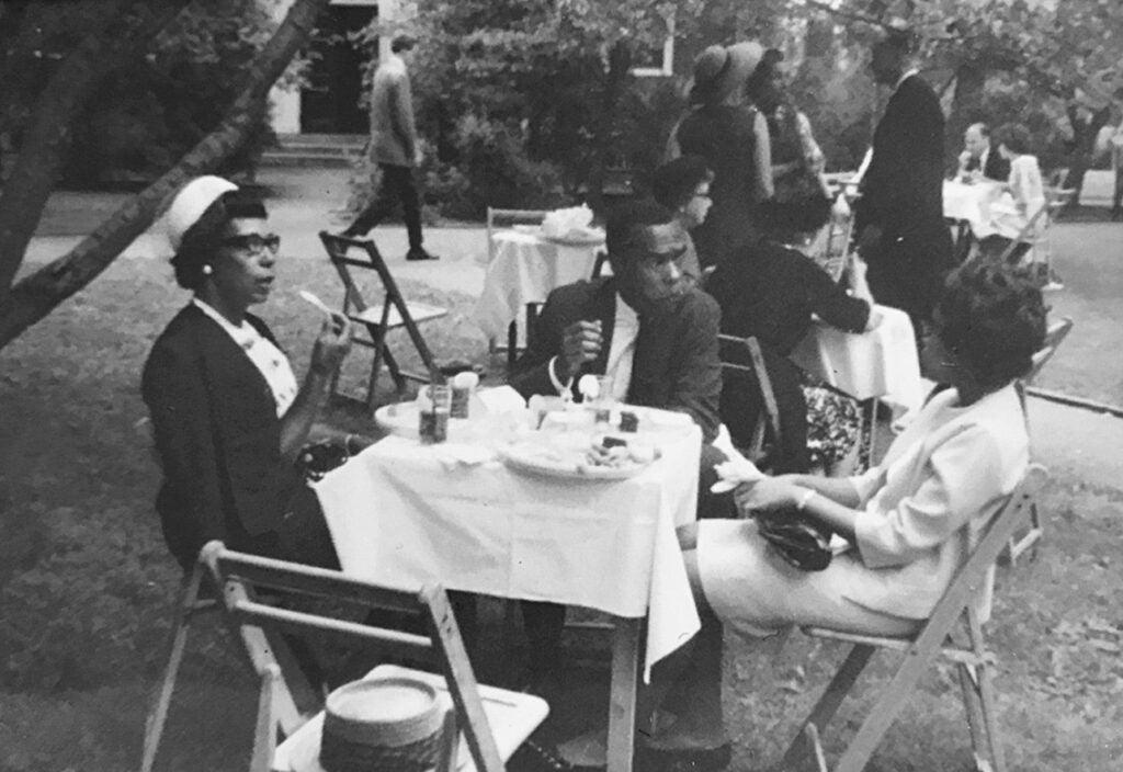 People eating lunch in Harvard Yard.