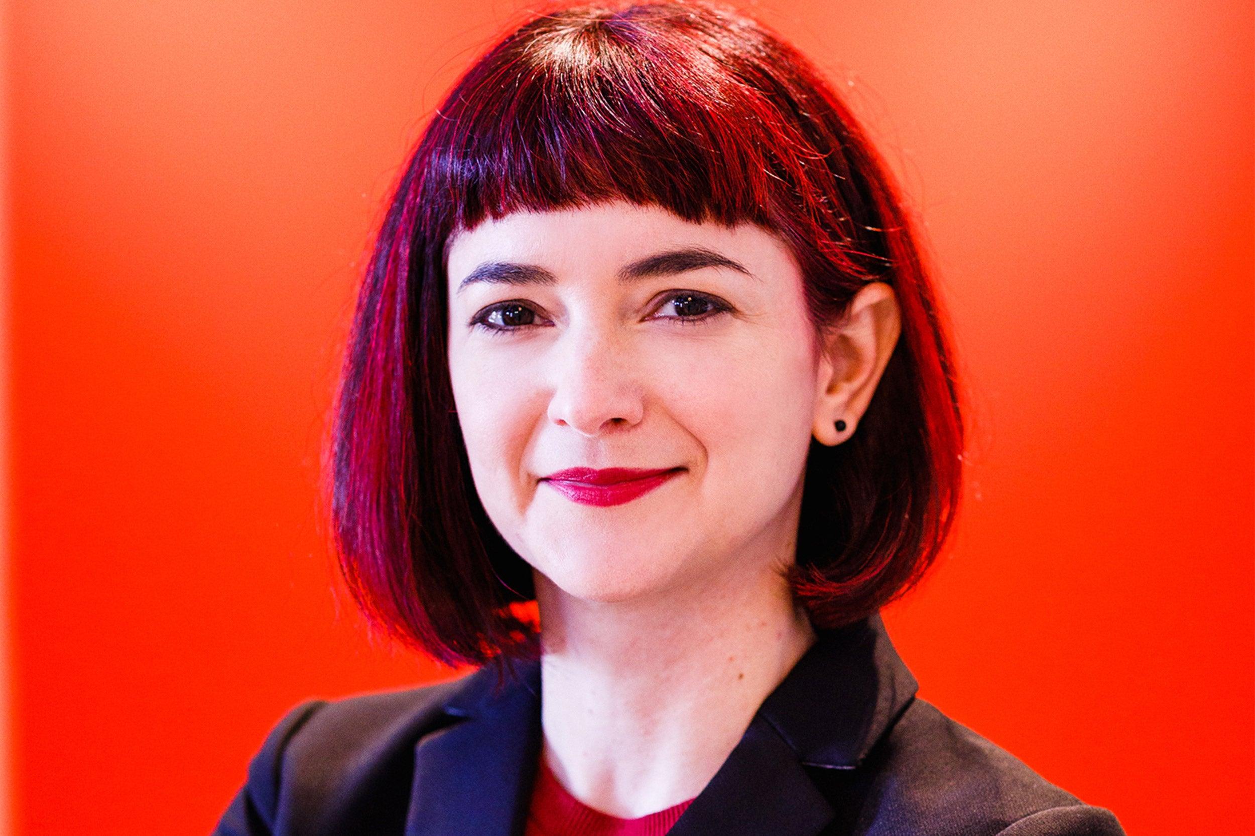 Headshot of Sarah Laursen.