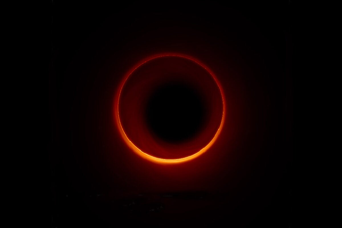 Rings around a black hole.