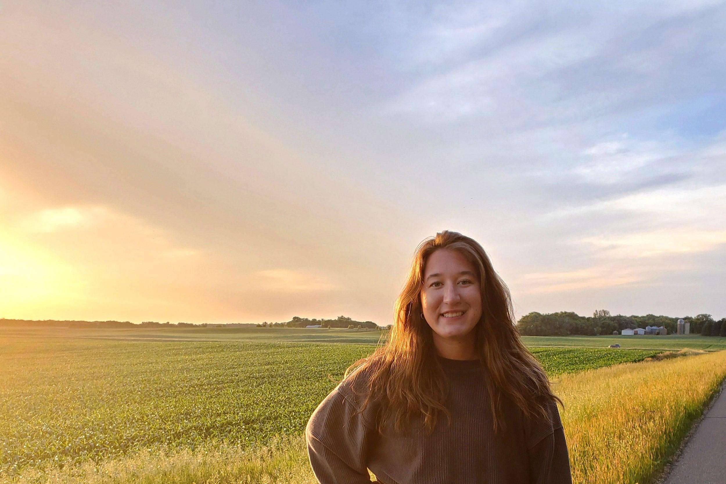 Jaidyn Probst '23 in field.