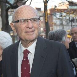 Harvard Corporation member Richard A. Smith dies at 95