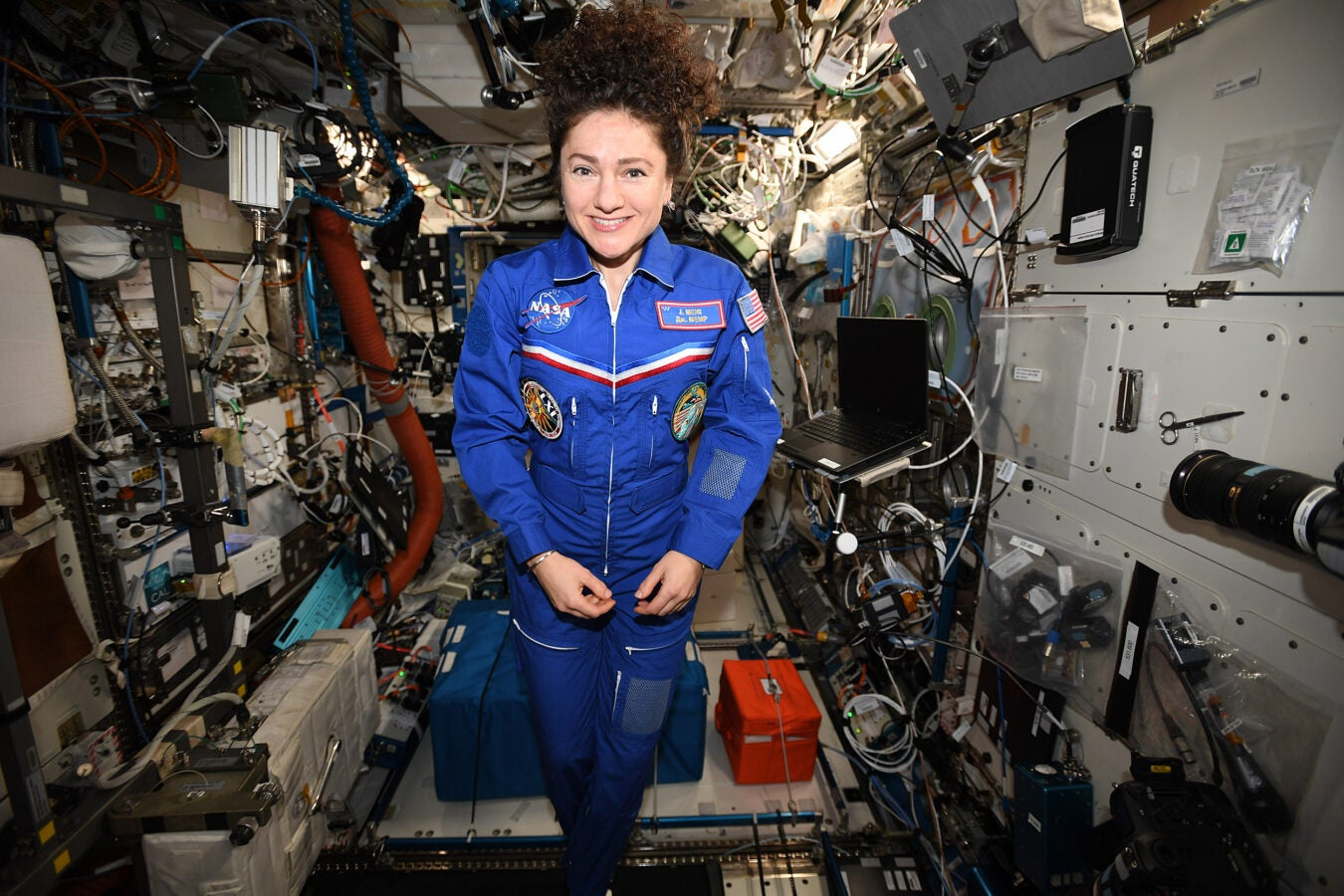 Jessica Meir in space station.