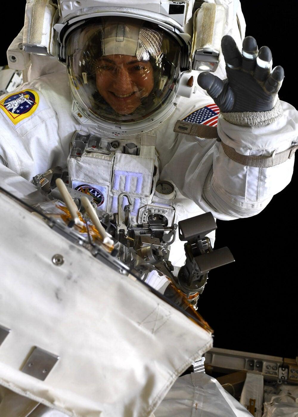 Jessica Meir spacewalk