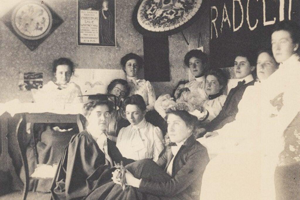 Women in 1899/