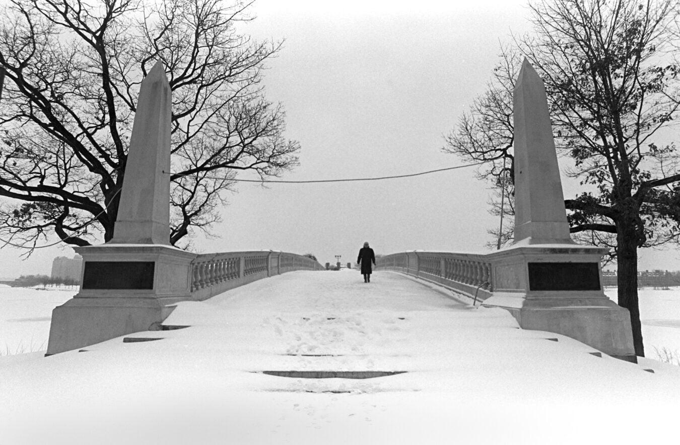 Snow in 1994 on Weeks Bridge.