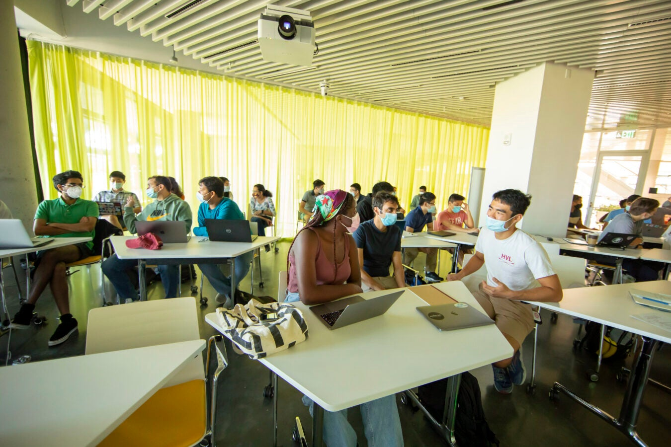 """Students in Yaron Singer's """"Adaptive Methods in Machine Learning"""" at the new Science and Engineering Complex."""