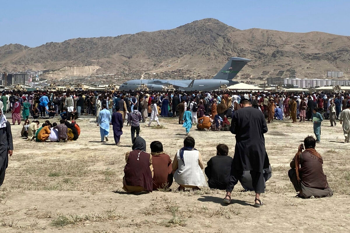 Crowd outside Kabul airport.